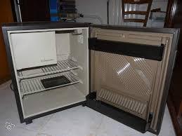 refrigerateur de bureau frigo de bureau r 201 frig 201 rateur de bureau 59l noyer luxe