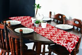 Kitchen Table Decorating Ideas by Trendy Dining Table Decor Ideas For Small Tables