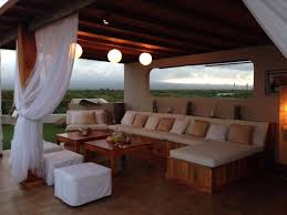 chill lounge at the rooftop terrace bild iguana