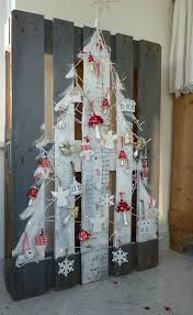 30 Of The Most Magnificent Christmas Trees You Can Make This Holiday