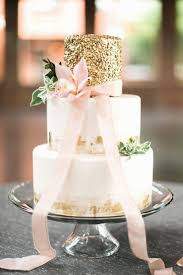TREND ALERT GOLD WEDDING CAKES
