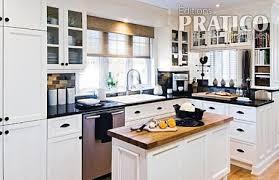 cuisines blanches et bois une cuisine actualisée cuisine avant après décoration et