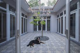 100 Modern Homes With Courtyards Tropical A Seductive Spin On IslandStyle WSJ