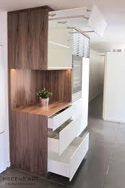 vin cuisine meuble cuisine équipé cave à vin encastrable bois et blanc design