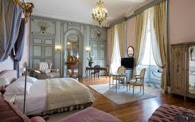chambres d hotel dormir dans un chateau château de rochegude