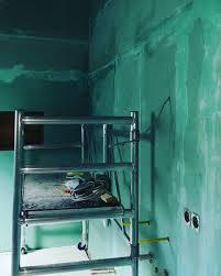 heute habe ich das badezimmer zum fließen und streichen