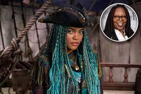 Halloween 2 Remake Cast by Whoopi Goldberg Voices Ursula In Descendants 2 Ew Com