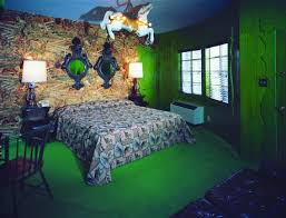 more wacky and wonderful bedrooms from the madonna inn retro