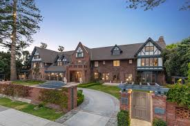 104 Modern Homes Worldwide Jamesedition Luxury Real Estate Villas Mansions For Sale
