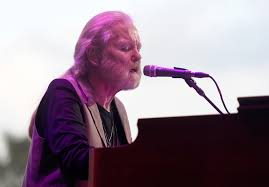 Singing Pumpkin Projection Free by Rock Legend Gregg Allman Dies At 69 Cbs Los Angeles