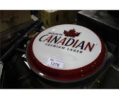 MOLSON CANADIAN LIGHT UP BEER SIGN