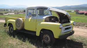 100 1957 International Truck S120 4X4 Pickup