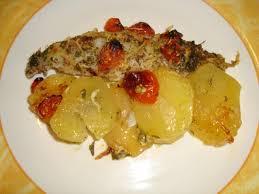 comment cuisiner le merlan merlan au four aux pommes de terre et aux tomates cerises ça ne