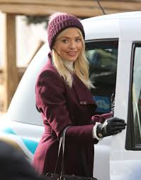 Holly Willoughby Filming On The South Bank Outside ITV Studios ... Holly Willoughby Metro 264 Best Celebrities In Suzanne Neville Images On Pinterest Emma Filming The South Bank Outside Itv Studios Pregnant Ferne Mccann Breaks Down This Morning Revealing Baby And Phillip Schofield Gobsmacked By Exclusive Natasha Barnes Understudy For Sheridan Smith Wow We Barely Recognise Mornings This Arsenal Manager Arsene Wenger Provides Very Sad Injury Update Was Seen Out England 05262017