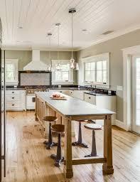 fabriquer table haute cuisine fabriquer une table bar de cuisine table de cuisine personnes table
