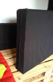 mousse pour coussin canapé 4 housses de mousse pour canapé en palette carrées avec