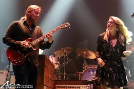 Tedeschi Trucks Band Launches 'Swamp Family' Fan Club | Utter Buzz!