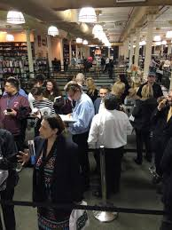 Gov Cuomo s first book signing draws small crowd NY Daily News