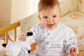 a quel âge changer le lit de votre enfant guide maman bébé