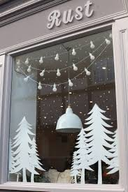 Christmas Tree Shop Curtains by Best 25 Winter Window Display Ideas On Pinterest Winter
