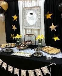 graduation table decorations and other unique college graduation
