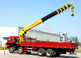 16 Ton Telescopic Boom Truck Mounted Crane With 80 L/min , Heavy Duty