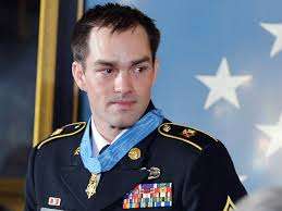 Awards And Decorations Us Army by Obama Awards Medal Of Honor To Afghan Battle Hero Clinton Romesha