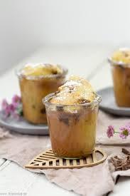 schneller kuchen mit joghurt und schokolade im glas