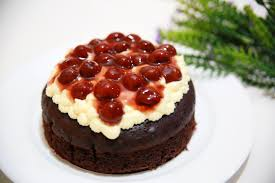 How to Make a Black Forest Cherry Cake 9 Steps with