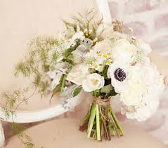 For A More Classic Take On The Bridal Bouquet Lauren Conrad Has Also Created An All White Design Brides To Be Organic And Rustic Style Of This
