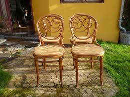 chaises thonet 4 chaises n 2 thonet déja vendu