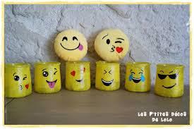que faire avec des pots de yaourt en verre diy déco récup faire une déco emoji avec des pots de yaourts en
