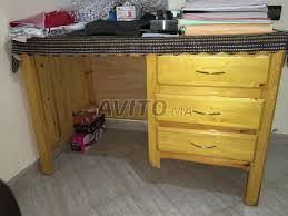 bureau en bois a vendre petit bureau en bois massif à vendre à dans meubles et décoration