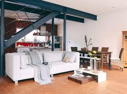 wohnzimmer in weiß stahlträger bild kaufen 10163373
