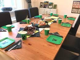 minecraft zum kindergeburtstag mit deko spielen kuchen