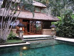 Decorative Pool Guest House Designs by Best 25 Bali House Ideas On Triangle House Tropical