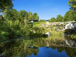 100 Water Fall House Secluded Luxury At The Fall In Rhinebeck New
