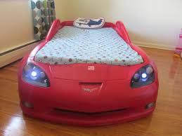 mint condition step2 corvette toddler to twin bed with lights