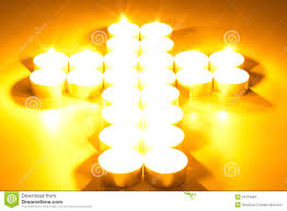 croix des bougies allumées photo stock image du objet 34155984