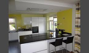 awesome cuisine blanche mur gris et jaune ideas design trends