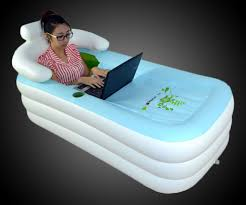 Inflatable Bathtub For Adults by The Portable Inflatable Bathtub That Woman Does Not Look Like