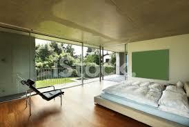 architektur modernes haus innen schlafzimmer stockfotos