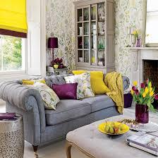 lila und senf wohnzimmer ideen graue tapete wohnzimmer
