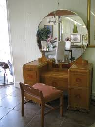Waterfall Vanity Dresser Set by Chair Style Question