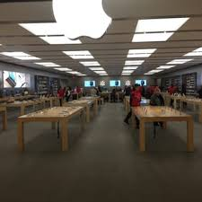apple retail store 20 reviews computers 25 the west mall
