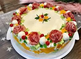 pikante torte mit prosciutto im weihnachtlichen look