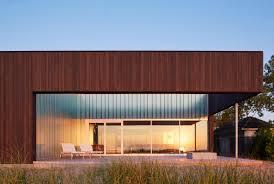 100 Court Yard Houses John Ronans Yard House Frames Views Of Lake Michigan