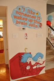 Dr Seuss Door Decorating Ideas by Cat In The Hat Birthday Party Ideas Balloon Tree Plastic Table
