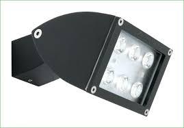 replacing outdoor flood lights halogen low voltage led landscape