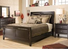 amazon com newport chocolate 4pc king bedroom set kitchen dining